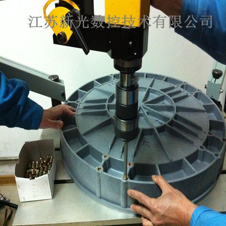 电动攻丝机拧螺套视频 一机多用案例 螺套按照工具